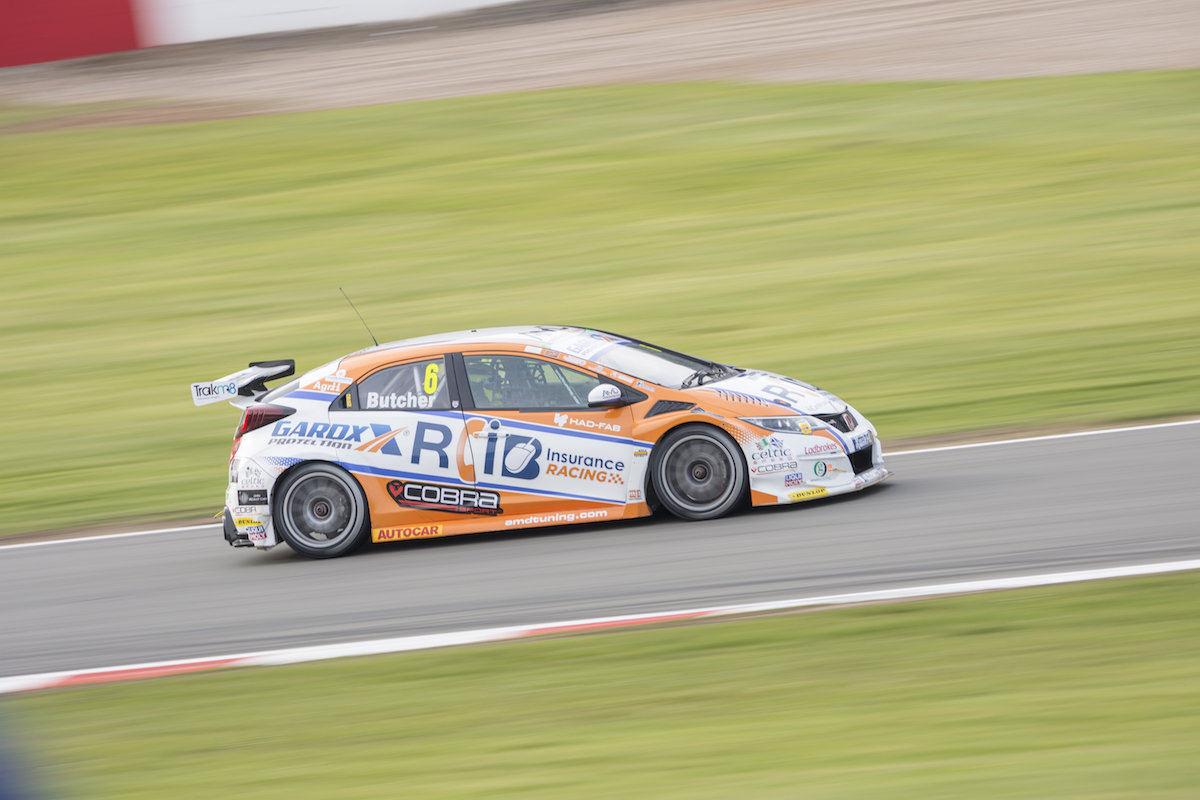 Cobra Sport AmD with AutoAid/RCIB Insurance Racing seeks to maintain title challenge at Thruxton