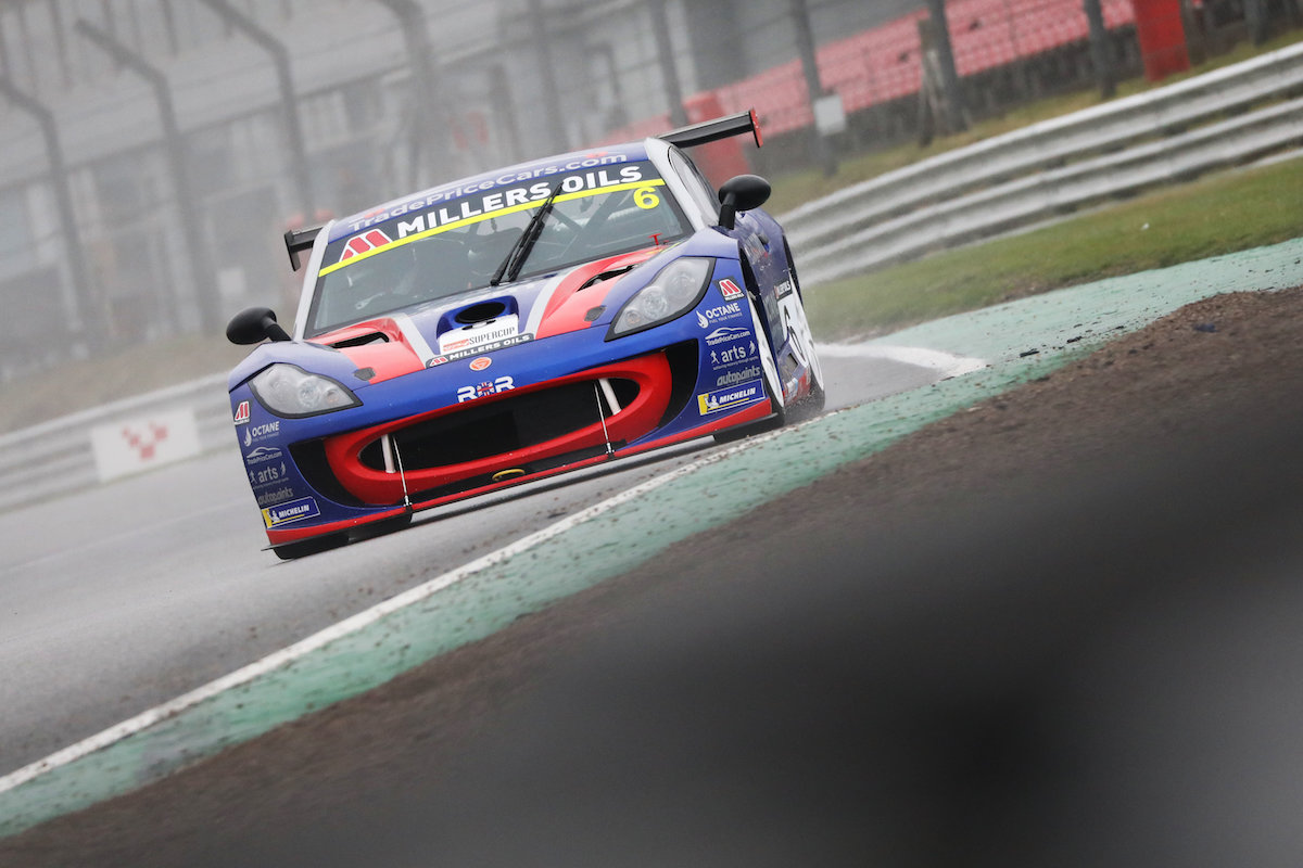 Silverware for Dan Kirby in Ginetta Supercup opener