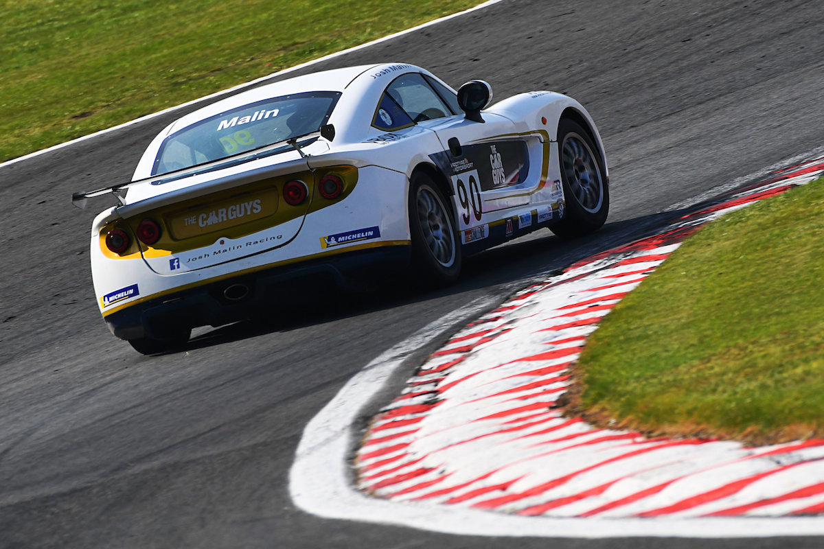 Top six showing for Richardson Racing in Ginetta GT5 opener