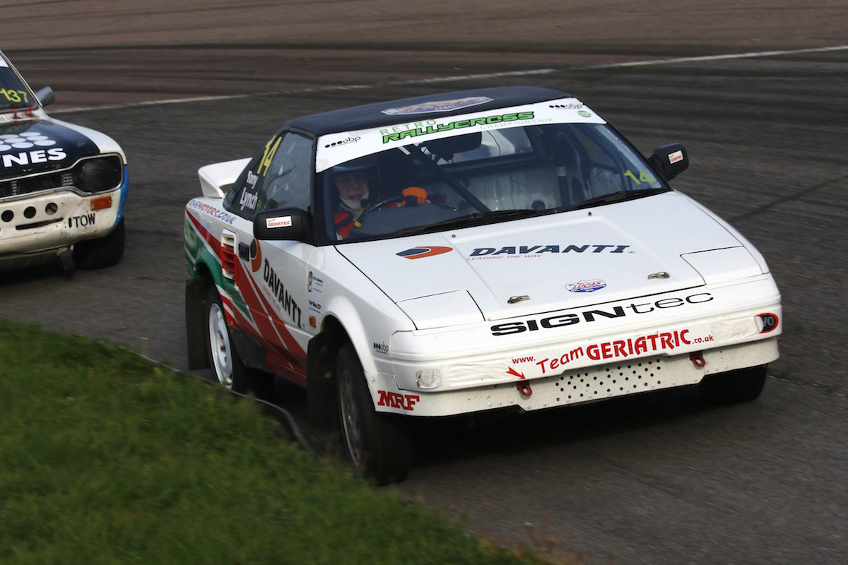 Second straight podium for Tony Lynch at Lydden Hill