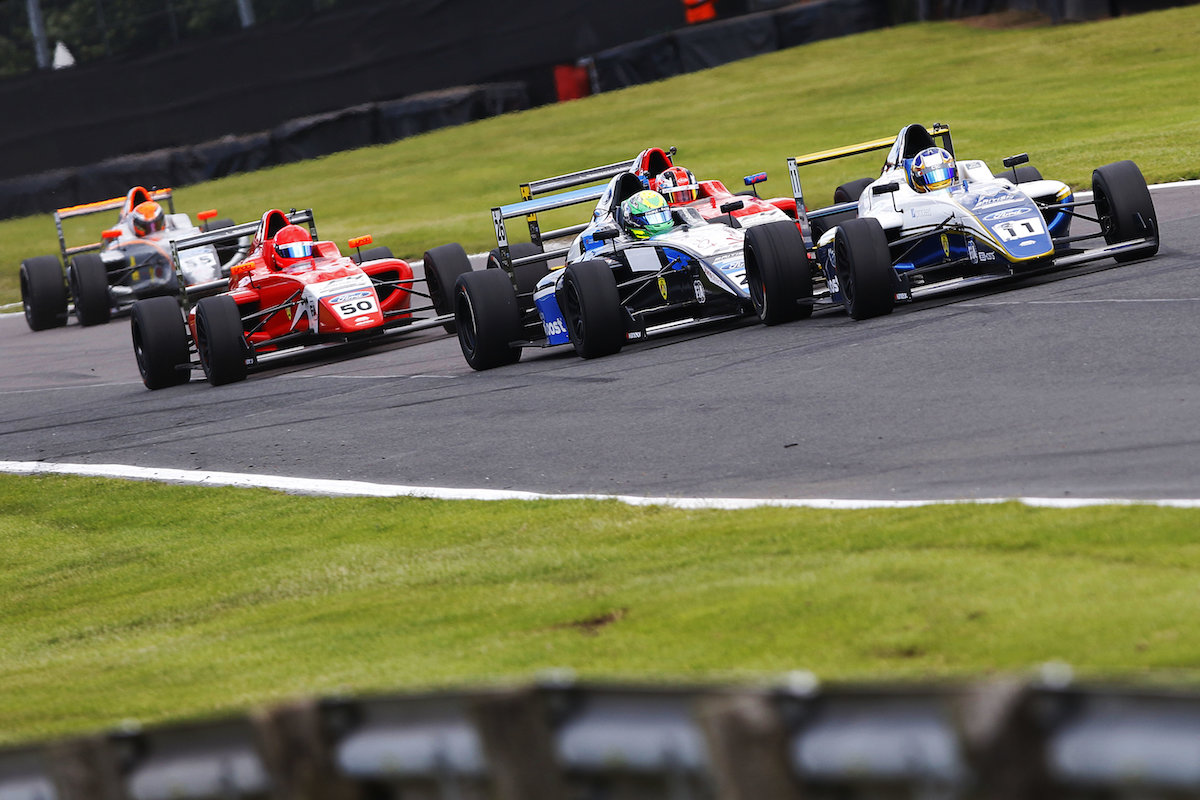 Double top six for Richardson Racing at Oulton Park