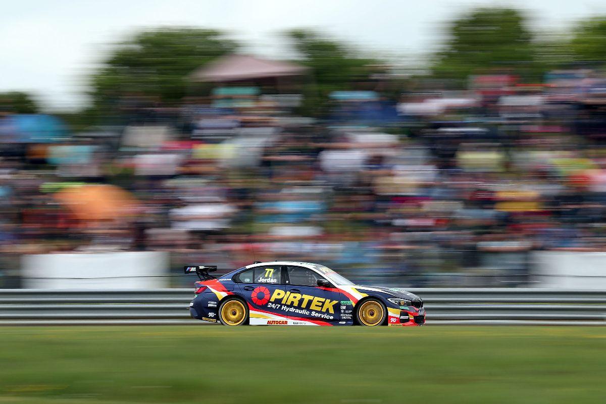 Pirtek Racing targets further success at Thruxton