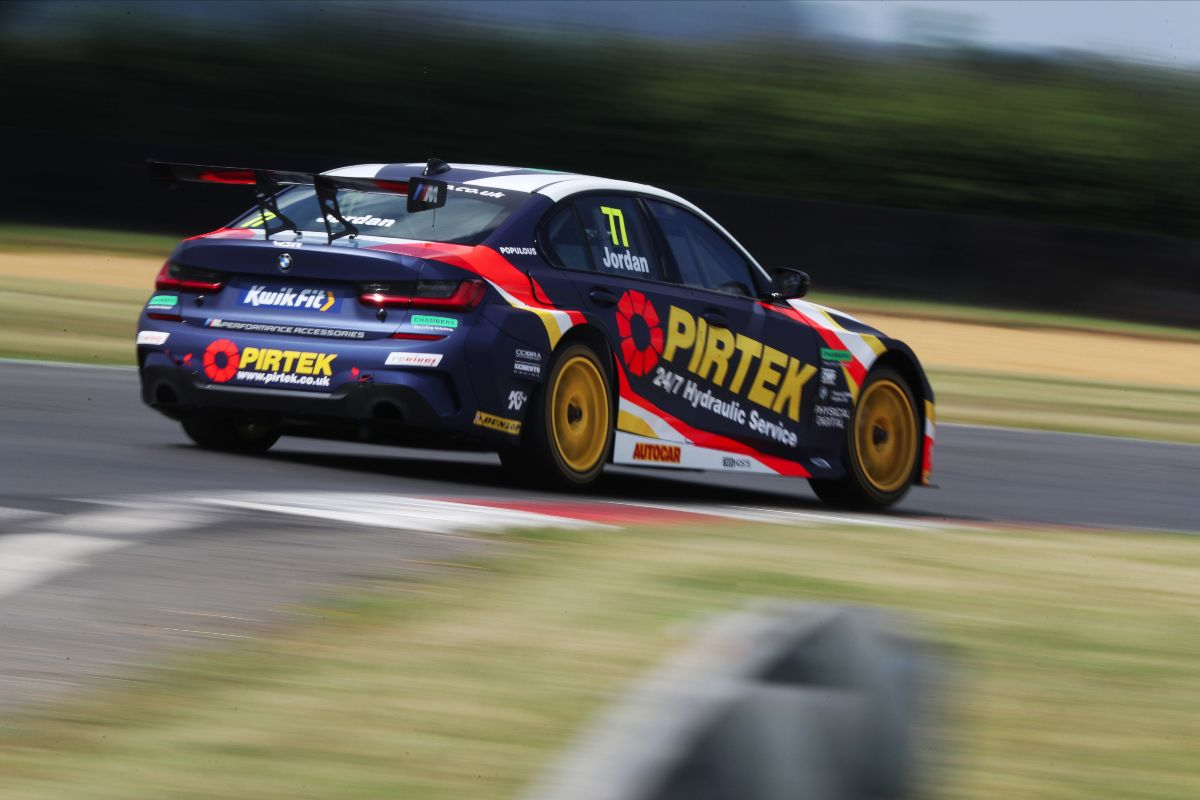 BMW Pirtek Racing ready for battle at Snetterton