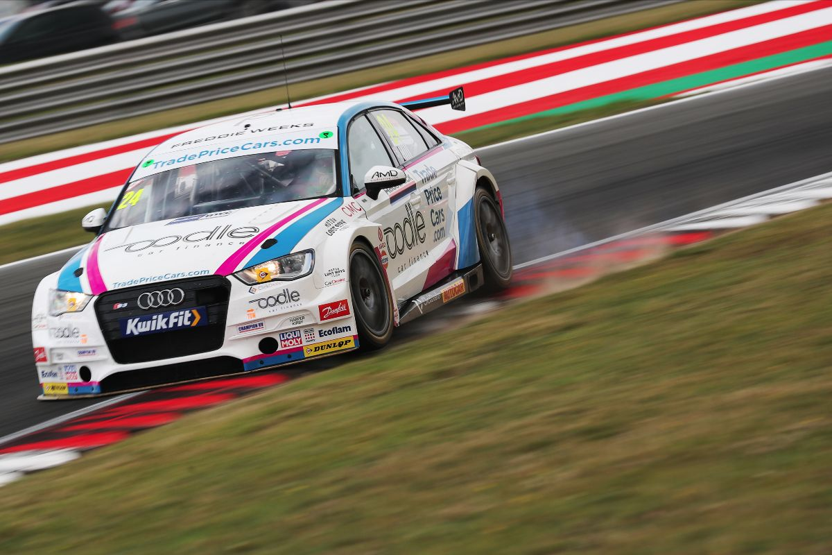 Double top ten for Trade Price Cars Racing at Snetterton
