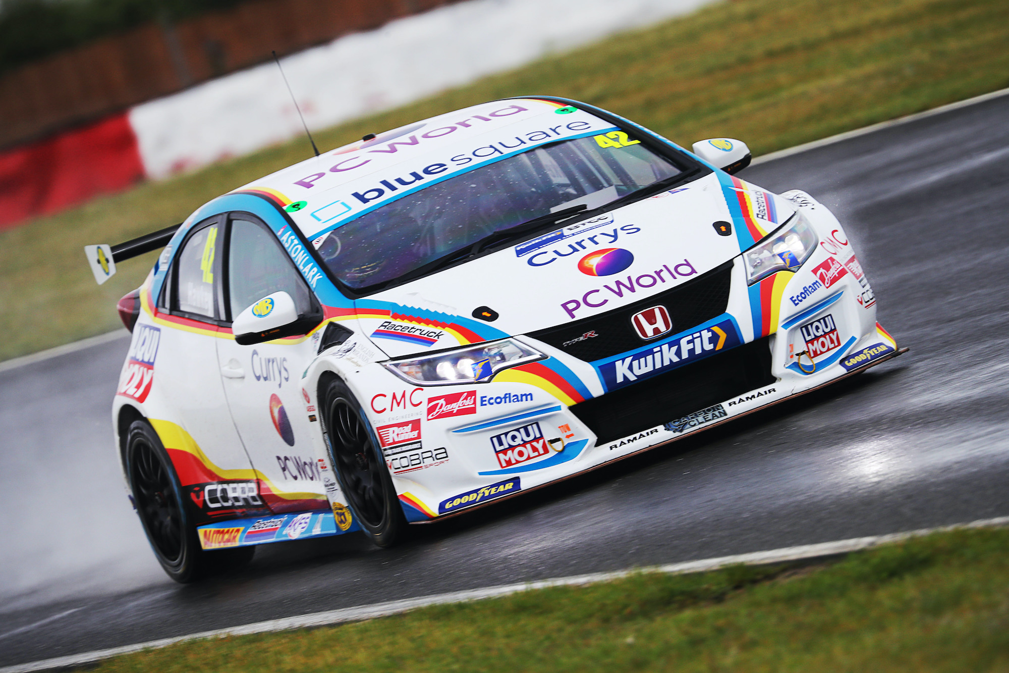 MB Motorsport accelerated by Blue Square battle the elements on day two of Snetterton test