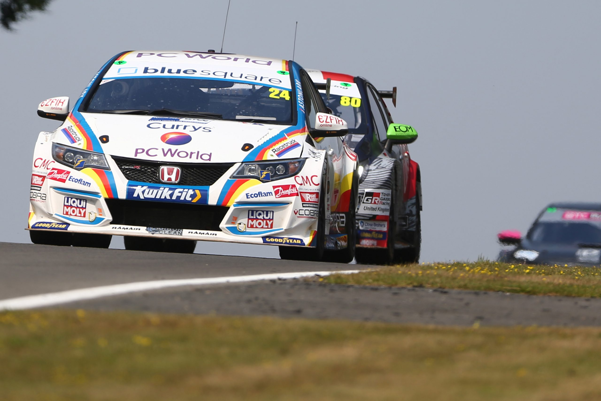 MB Motorsport accelerated by Blue Square secure double top ten from challenging race day