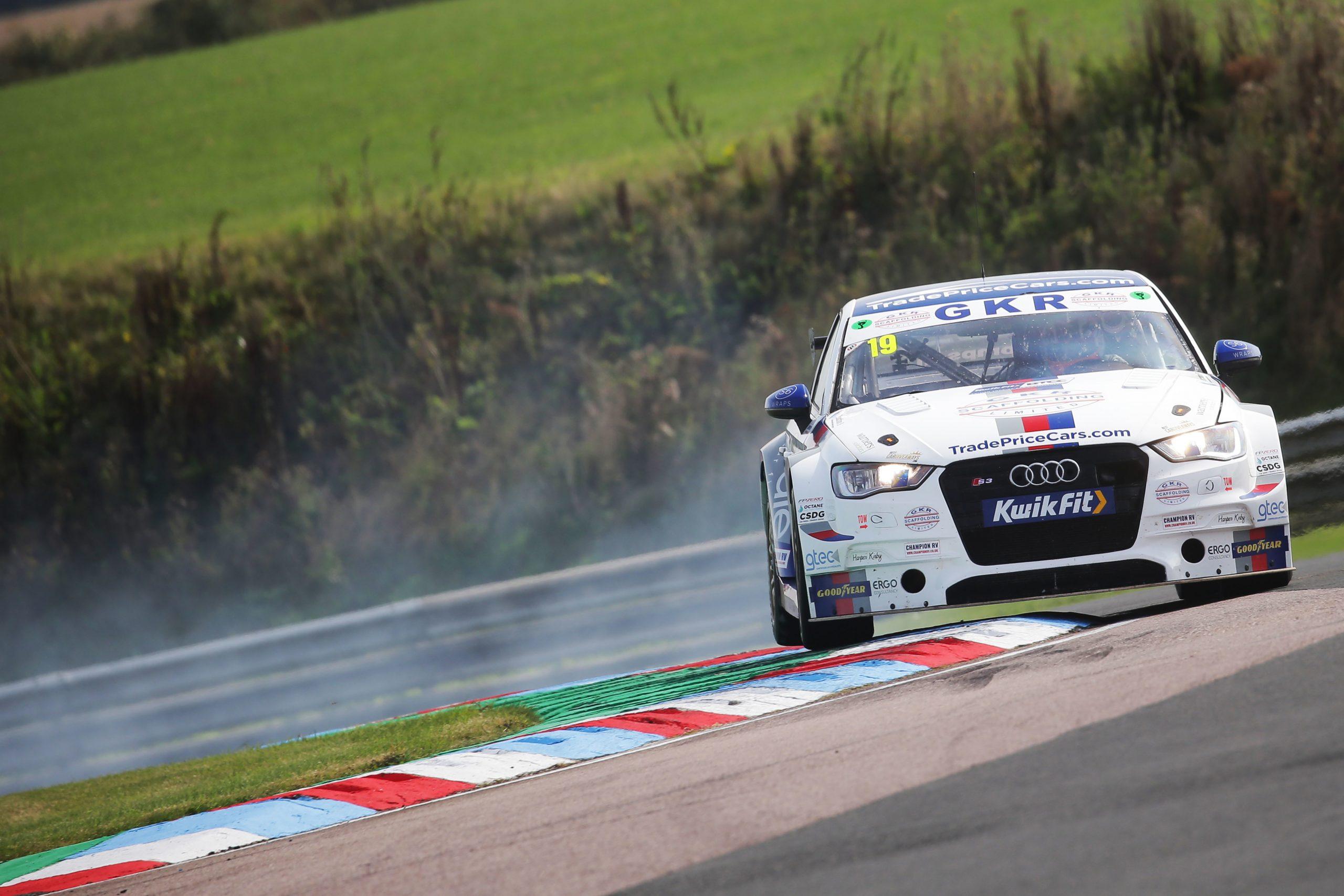 GKR TradePriceCars.com battles hard for Thruxton points finish