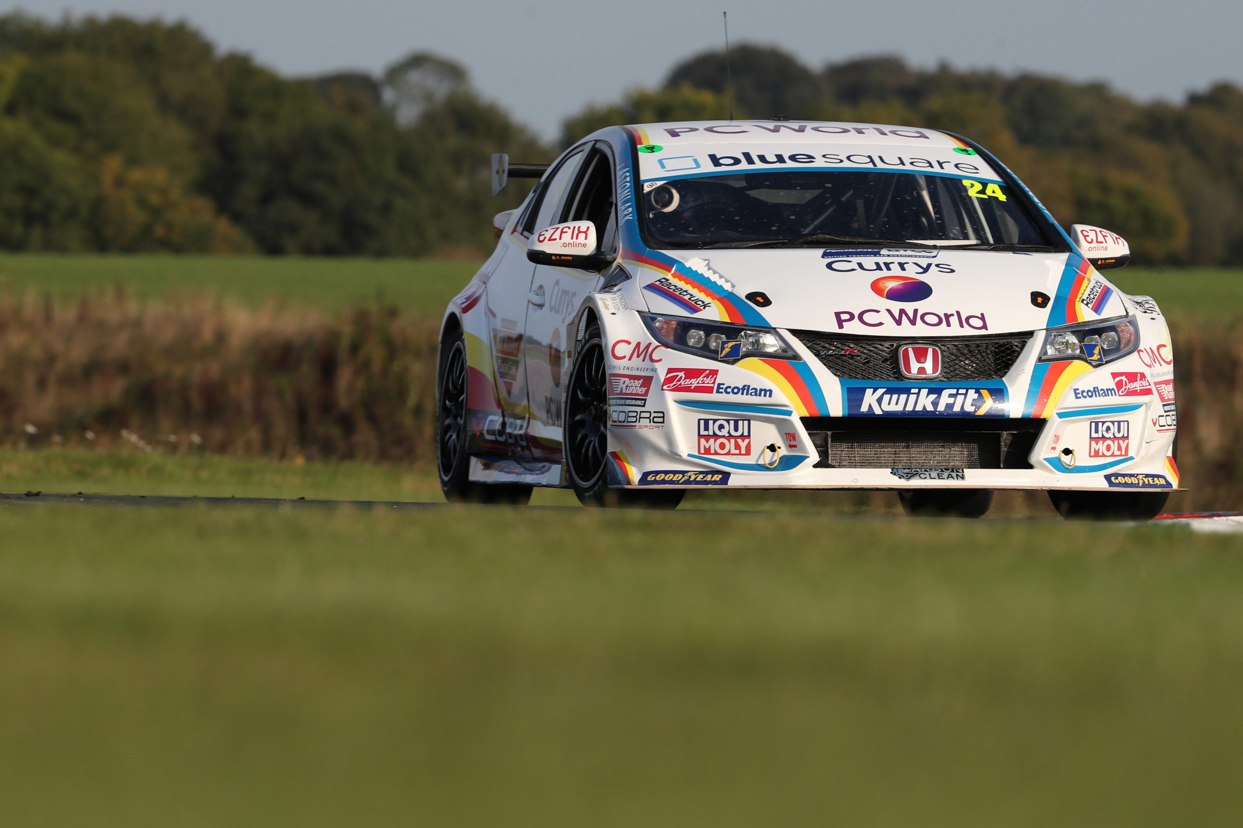 MB Motorsport accelerated by Blue Square fights back for Thruxton top ten