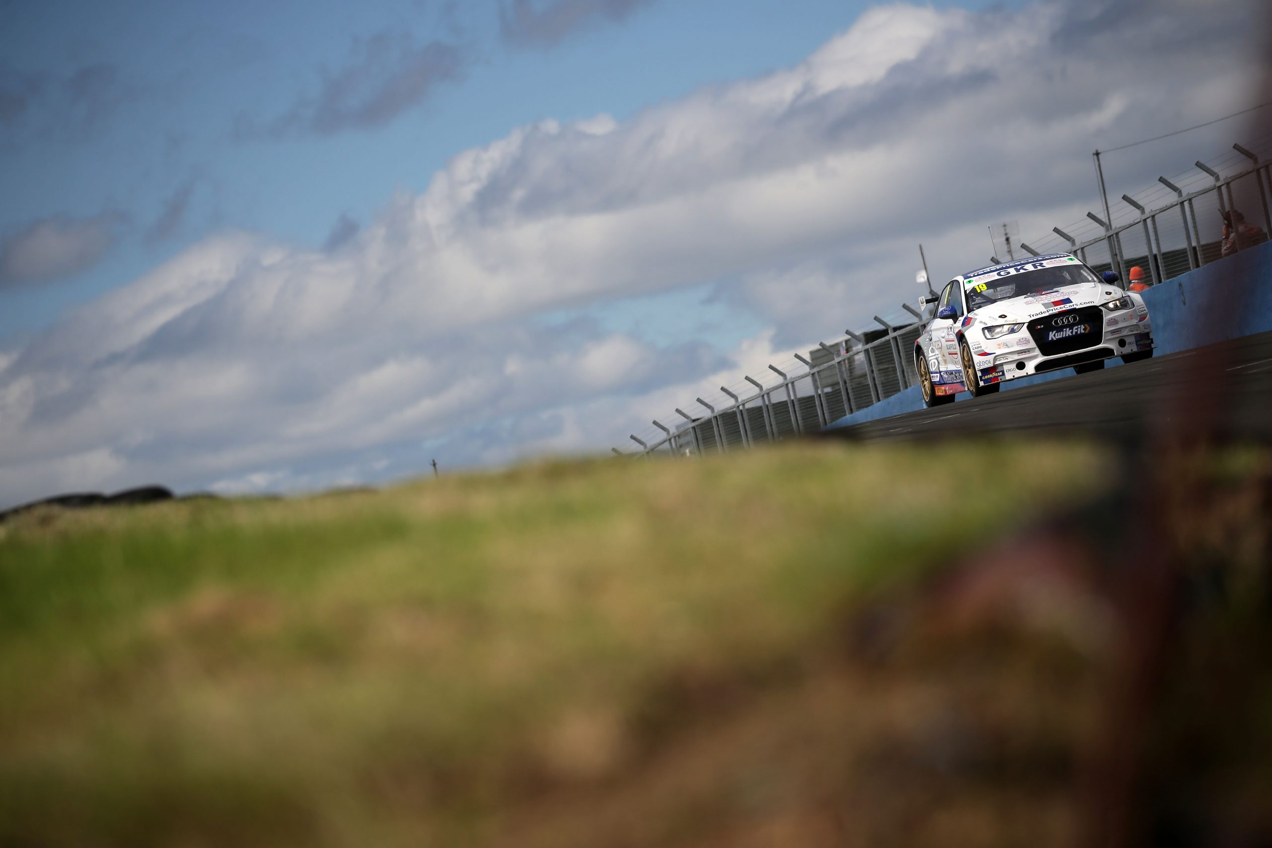 GKR TradePriceCars.com aim to return to the points at Thruxton