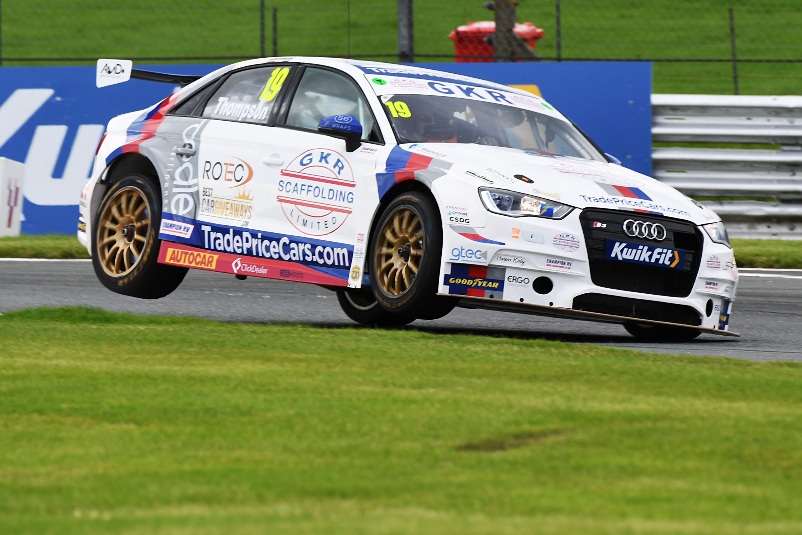 GKR TradePriceCars.com looks to maintain solid form at Knockhill