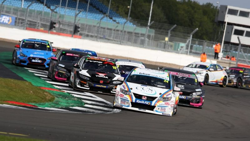MB Motorsport accelerated by Blue Square battles hard at Silverstone