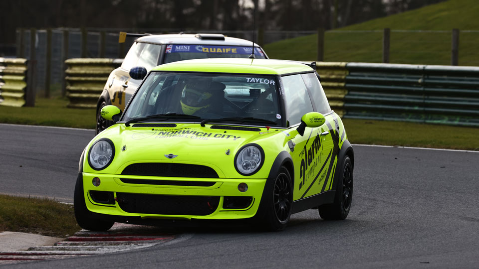 Nicky Taylor returns to MINI CHALLENGE Cooper Class