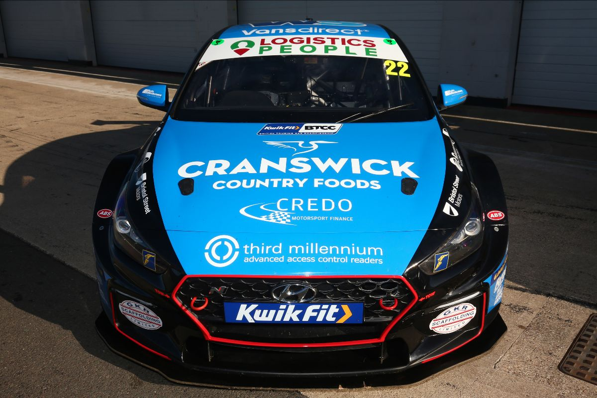 Ginsters EXCELR8 with TradePriceCars.com retains Cranswick backing for 2021