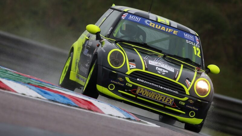 Alex Solley storms to pole at Thruxton
