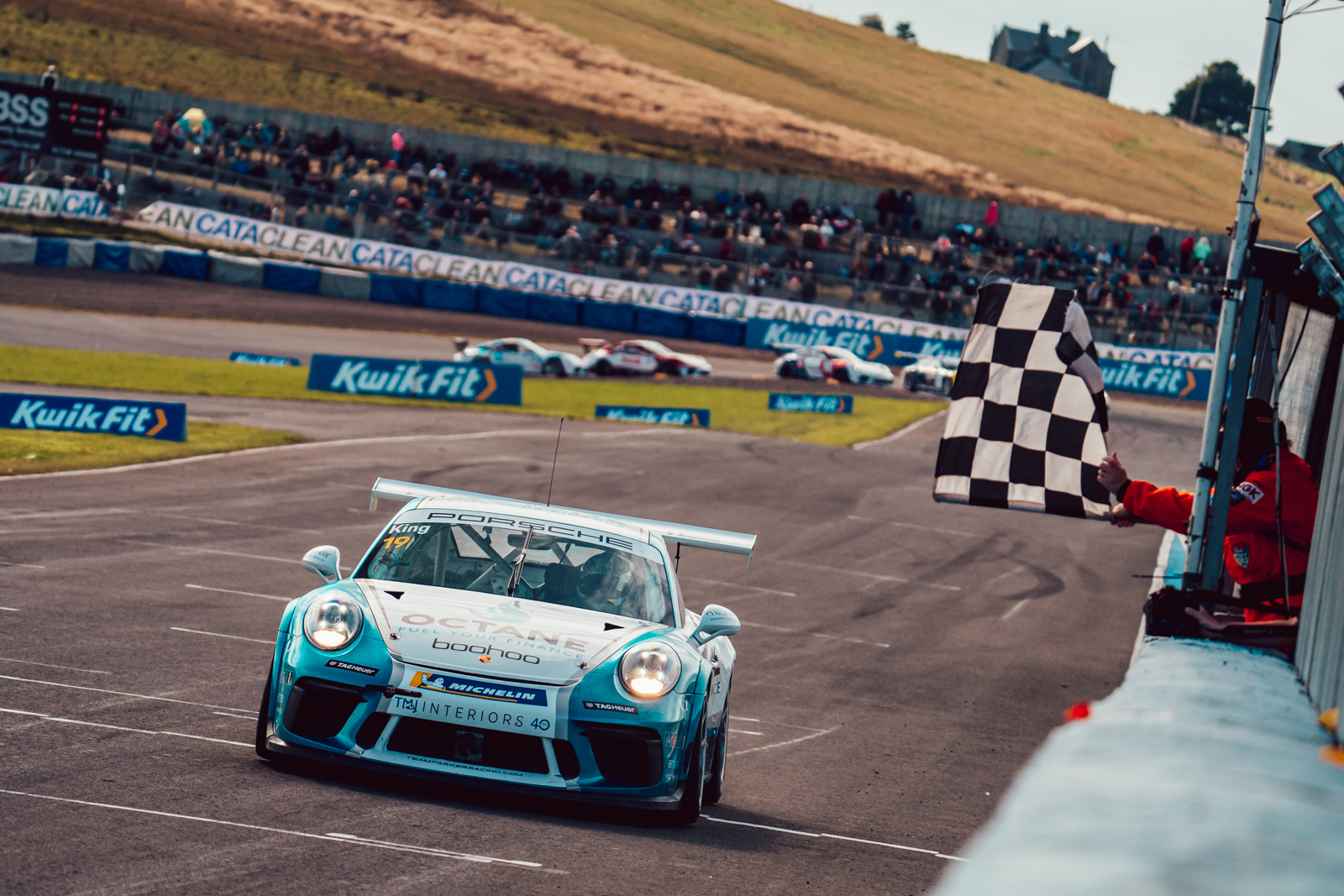 Harry King wraps up impressive Knockhill victory