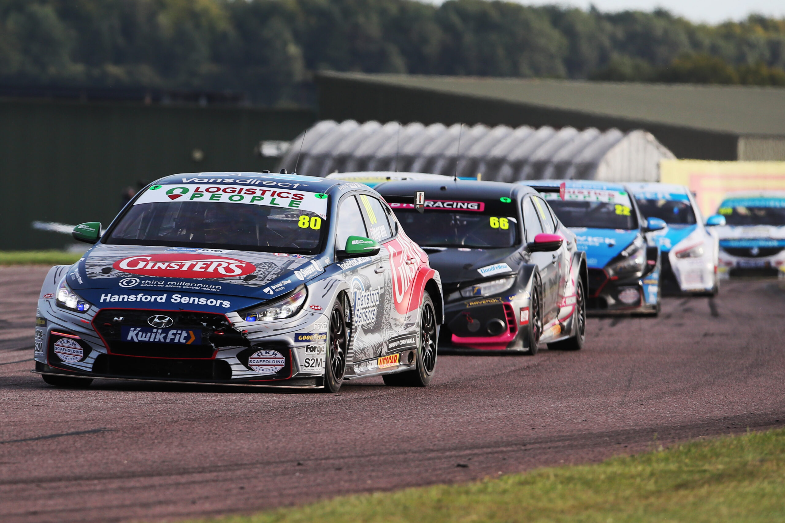 EXCELR8 with TradePriceCars.com seeks to maintain title challenge at Croft