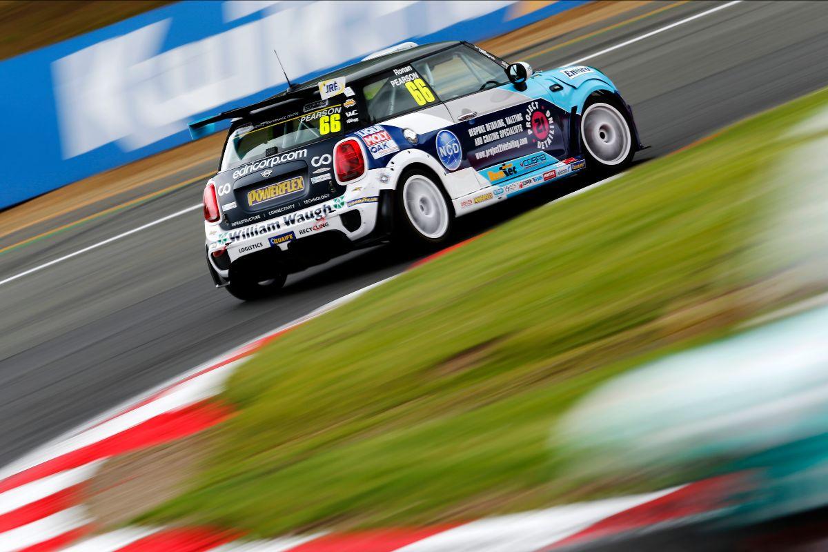 Ronan Pearson battles hard for Brands Hatch top ten