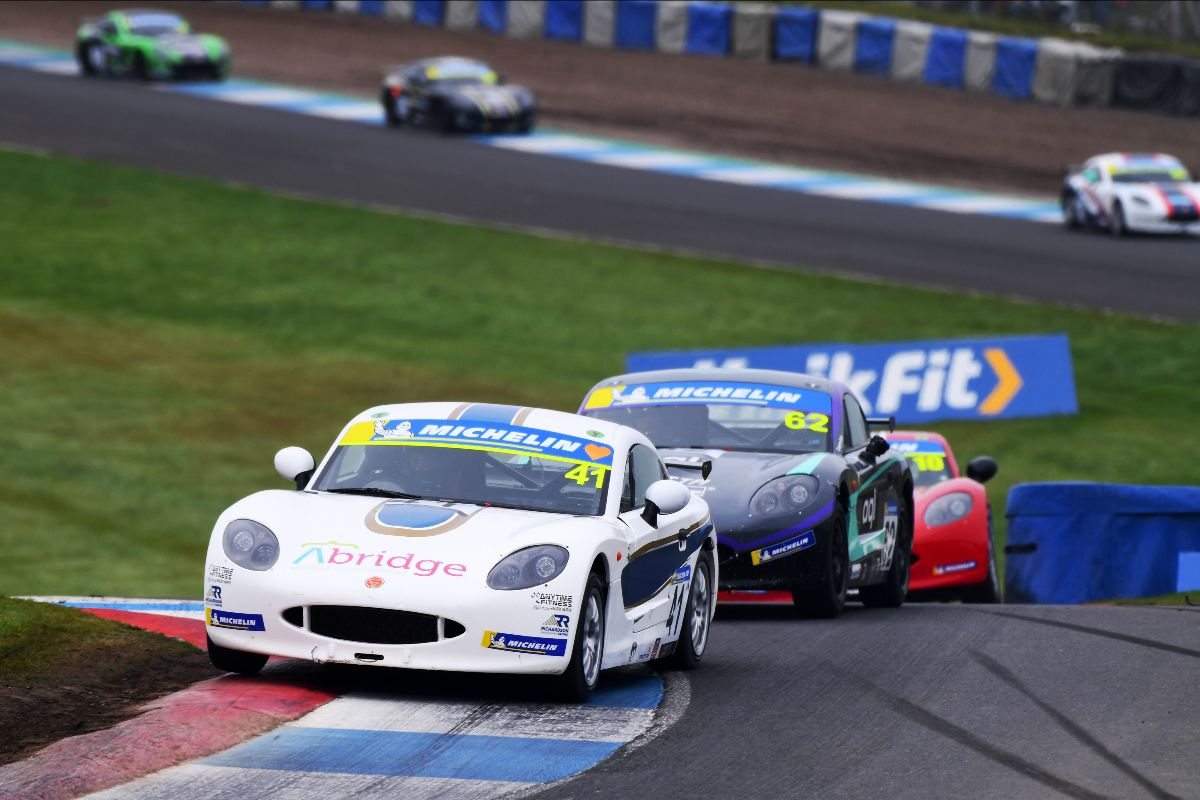 Rookie wins and podium success for Richardson Racing at Knockhill