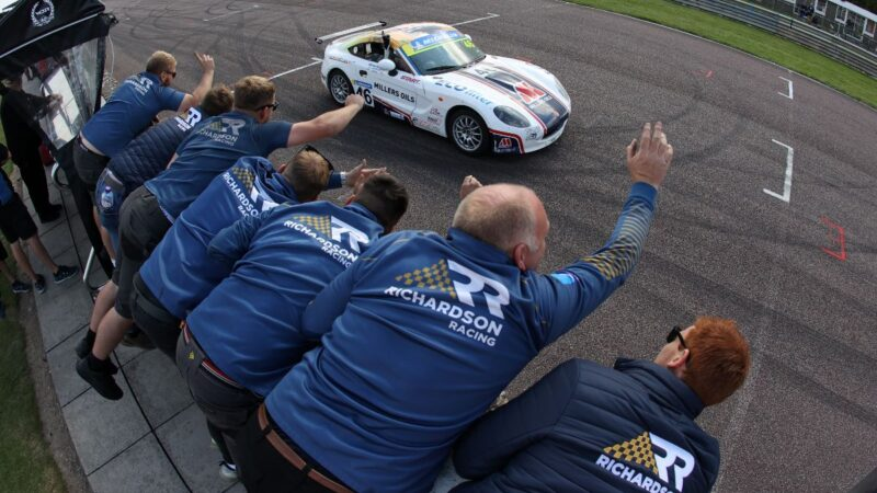 Double victory for Richardson Racing at Thruxton